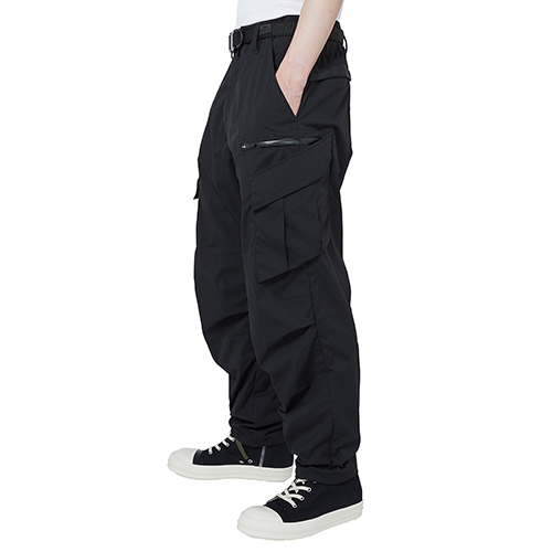 ACRONYM_P34-E ENCAPSULATED NYLON ARTICULATED TROUSER_BLACK